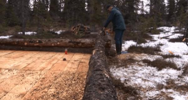 pioneer-log-cabin-building-05