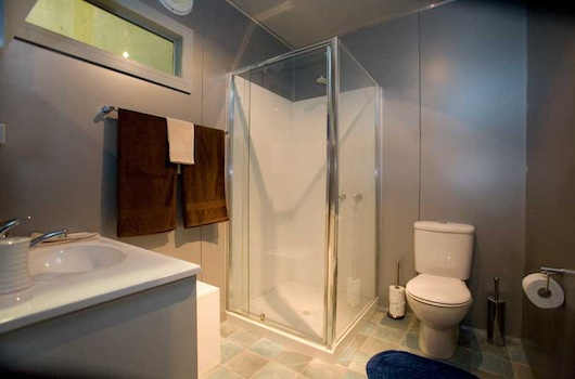 Australian prefab container houses podd - Shipping container public bathroom ...