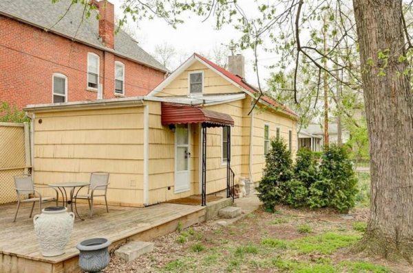 pure-honey-small-cottage-in-columbus-ohio-009