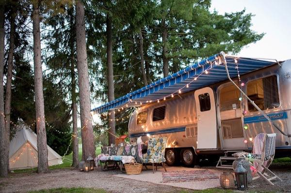 renovated-airstream-with-anthropologie-and-sarah-schneider-0013