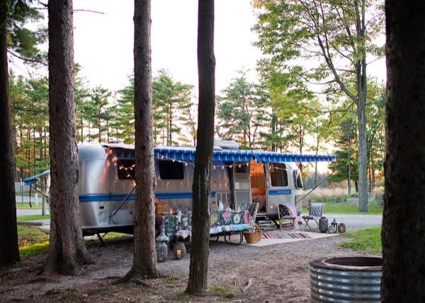renovated-airstream-with-anthropologie-and-sarah-schneider-0015