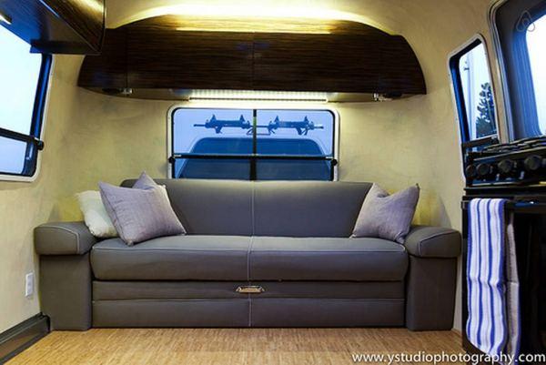 renovated-eco-airstream-vacation-004