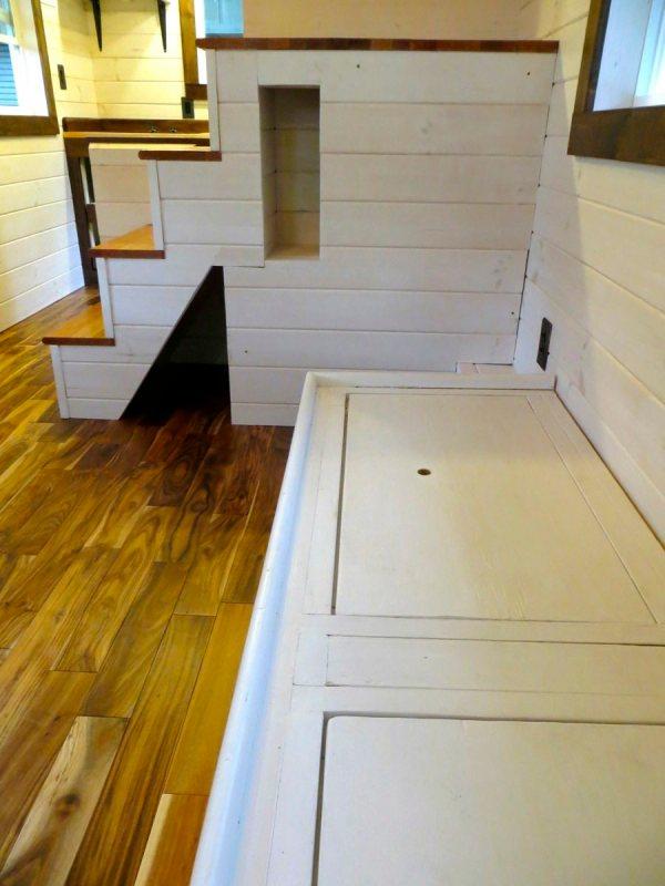 robins-nest-tiny-house-on-wheels-by-brevard-tiny-homes-00013