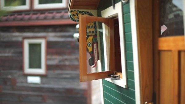 russ-gypsy-wagon-tiny-house-015