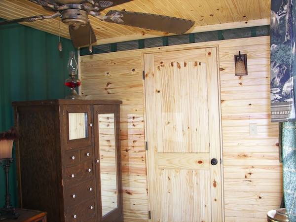sea-shipping-container-cabin-0017