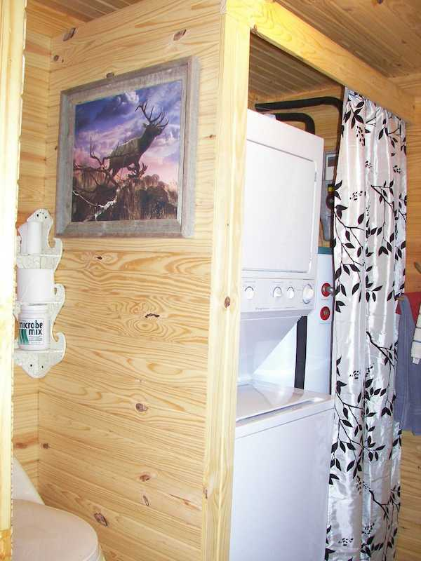 sea-shipping-container-cabin-0023