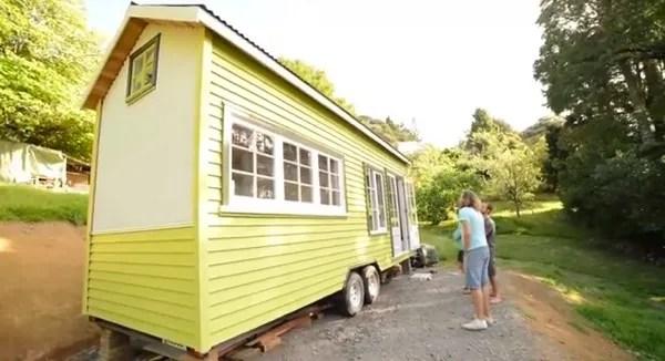 shaye-and-toms-diy-tiny-house-0013