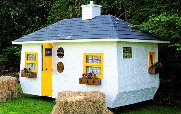 shebeen-tiny-irish-pub-on-wheels-06