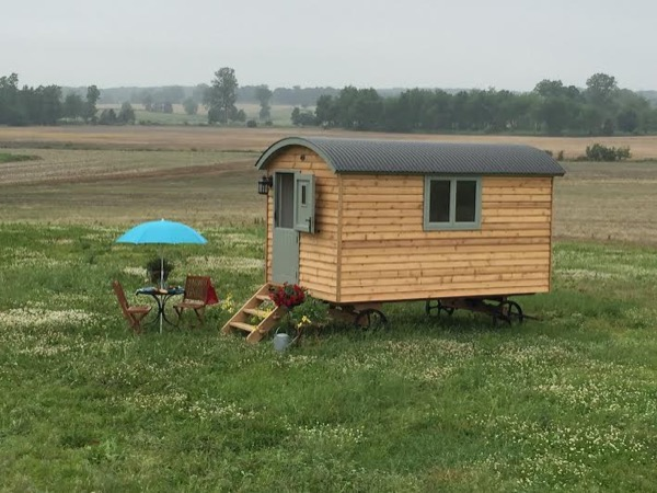 105 Sq Ft English Shepherd Hut Wagon Cabin