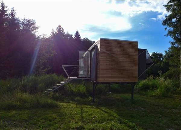 simple-home-portable-tiny-house-on-stilts-07