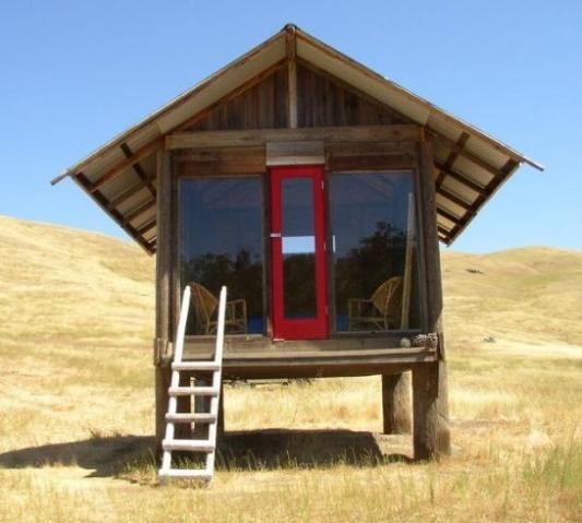 simple-shelter-texas-tiny-house-front