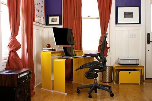 simple-stack-desk-heckler-design-2