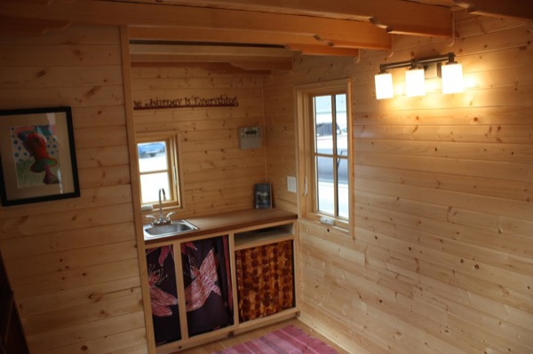 solar-off-grid-tiny-house-for-sale-built-by-high-school-students-004