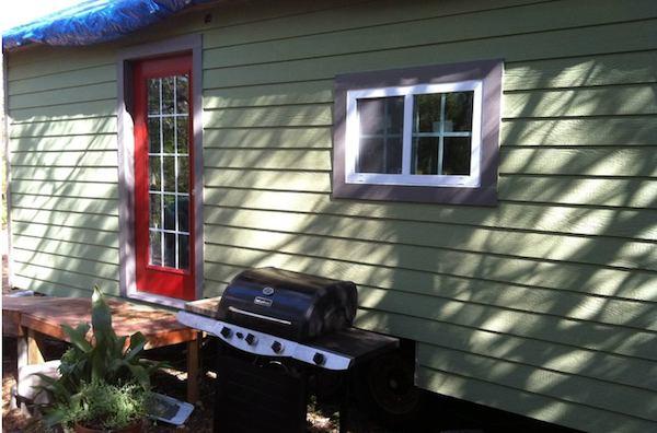 Siding on Steve and Wendys Tiny House