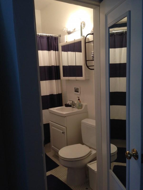 studio-apartment-bathroom1