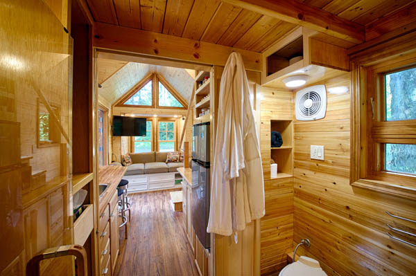 stunning-tiny-house-vacation-with-sauna-hope-cottage-christopher-tack-007