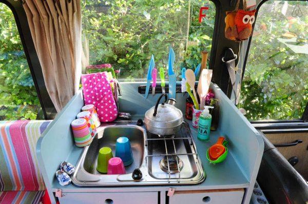 surf-bus-cozy-camper-van-006