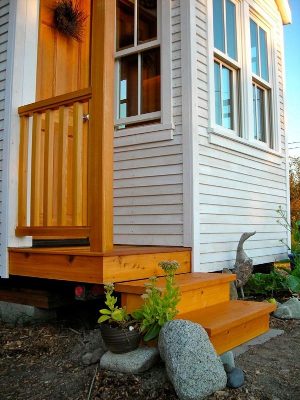 the-small-house-catalog-genius-outdoor-staircase-storage-for-tiny-houses-001