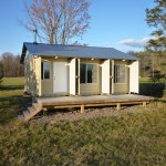 tin-can-cabin-shipping-container-tiny-house-001