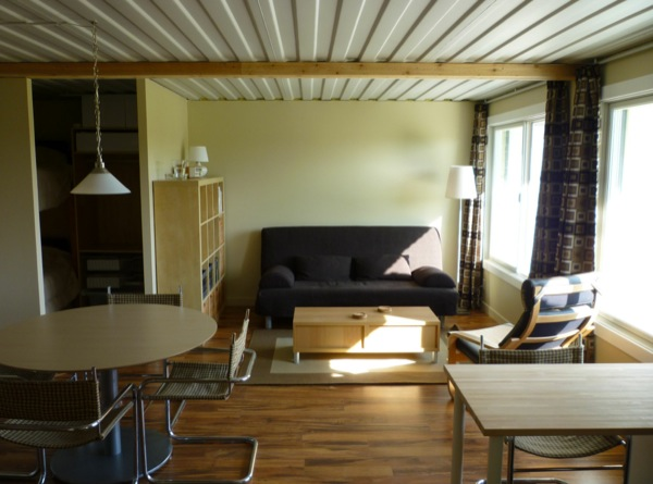 tin-can-cabin-shipping-container-tiny-house-007