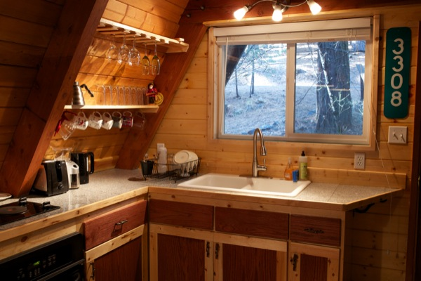 tiny-a-frame-cabin-in-the-woods-0011