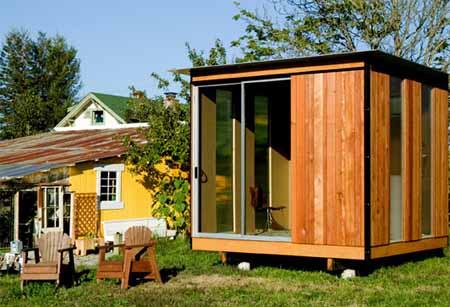 tiny-backyard-cabin-modern-cabana