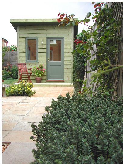 tiny-backyard-hut-3