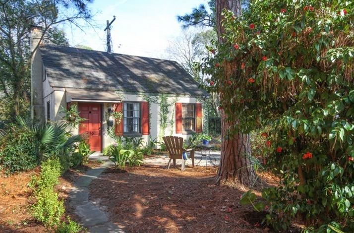 Tiny cottage vacation rental in savannah georgia for Tiny vacation homes
