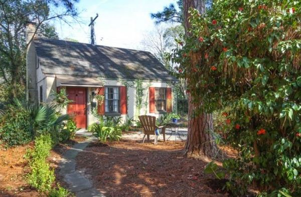 tiny-cottage-rental-savannah-homeaway-002