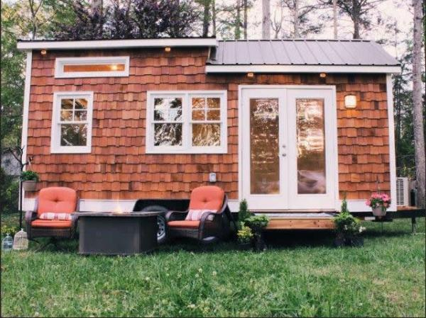 tiny-cottage-wheels-by-urban-cottage-builders-001