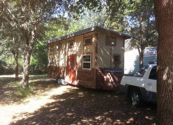 tiny-house-for-sale-in-odessa-fl-001
