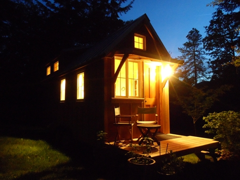 tiny-house-on-wheels-by-oregon-cottage-company-08