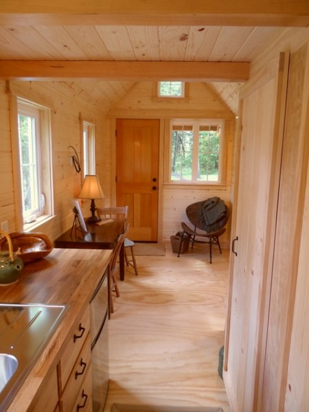 tiny-house-on-wheels-by-oregon-cottage-company-12
