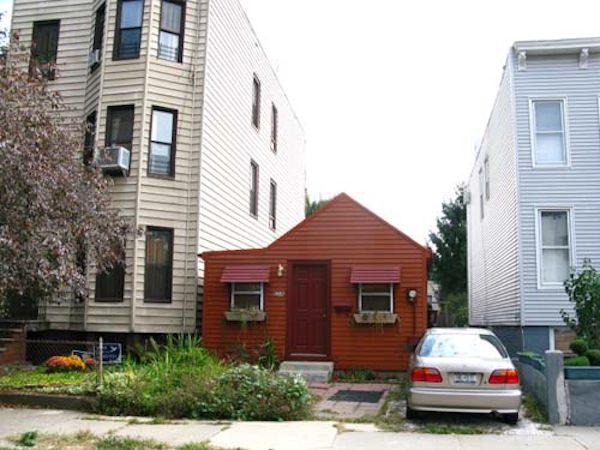 Tiny Houses versus Apartments