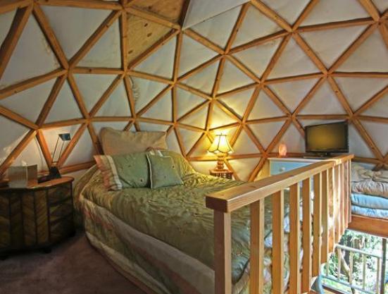 tiny-mushroom-dome-cabin-bedroom