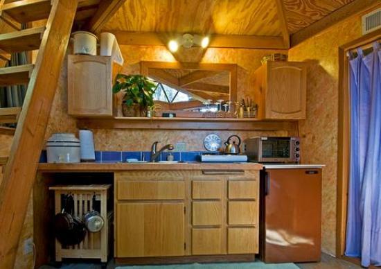 tiny-mushroom-dome-cabin-inside-kitchen