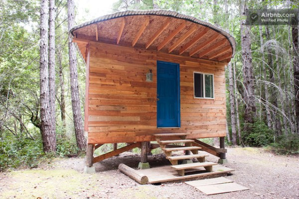tiny-off-grid-cabin-vacation-rental-01