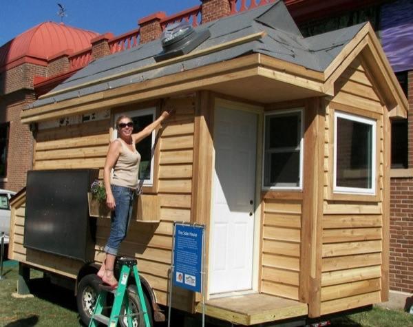 Tiny Solar House (7)