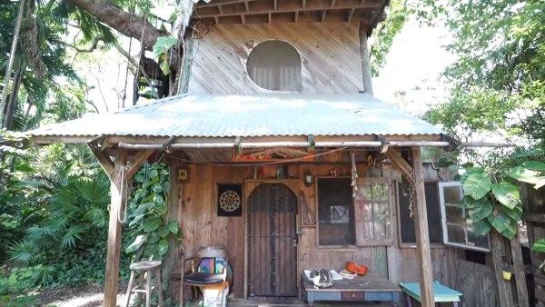 tiny-tree-house-on-farm-miami-001