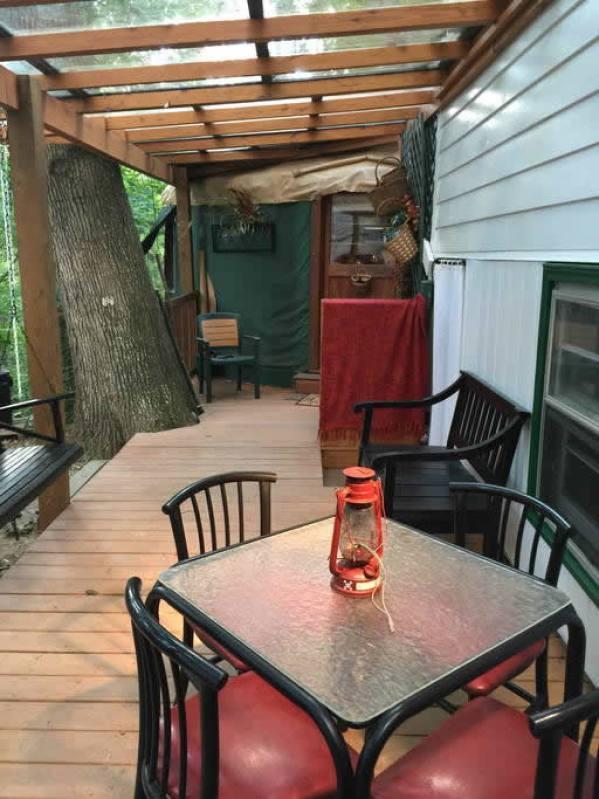 tiny-yurt-retreat-near-asheville-012