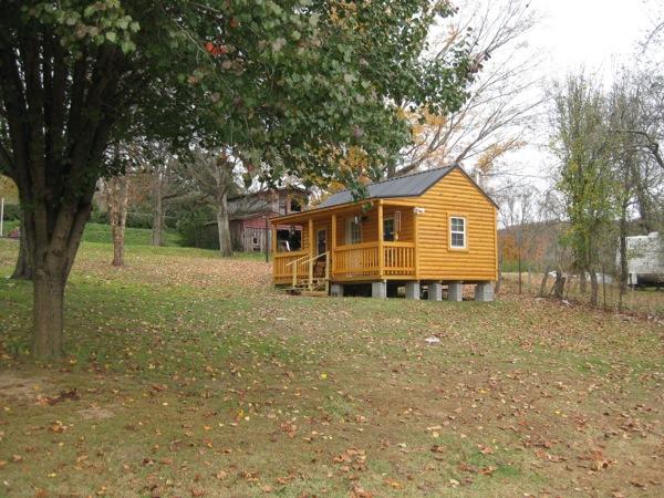 Tommy's Tiny Blues Log Cabin