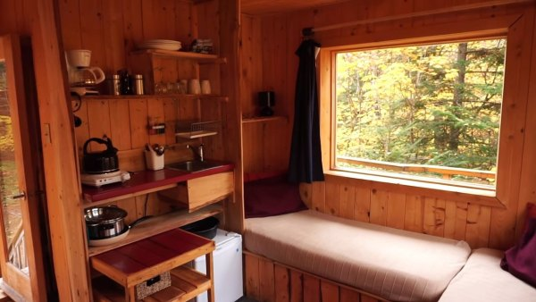 tree-cabins-on-stilts-004