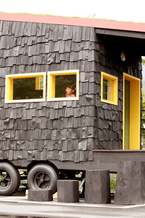 tree-heads-&-co-mobile-coffee-shop-green-roof-tiny-shop-006