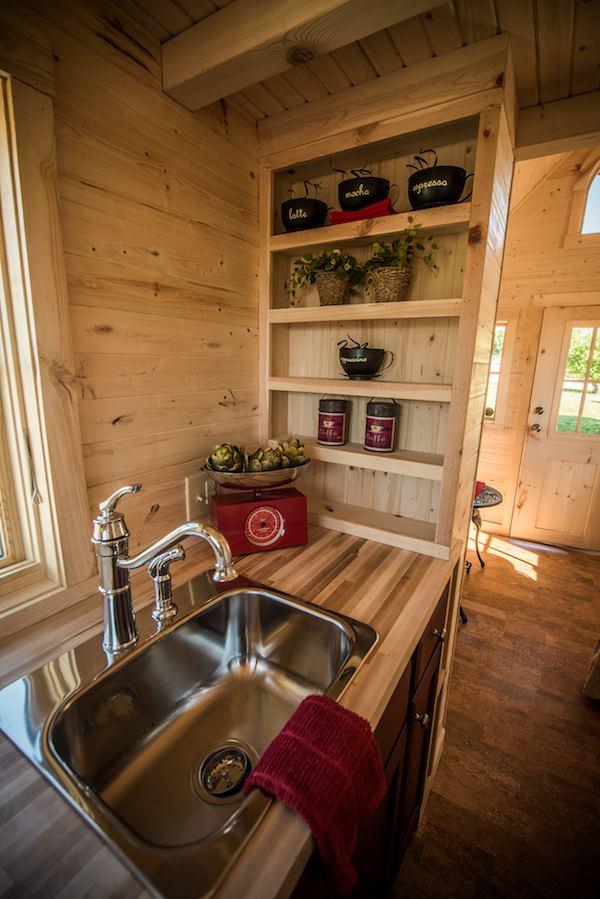 tumbleweed-elm-18-overlook-117-sq-ft-tiny-house-on-wheels-0017
