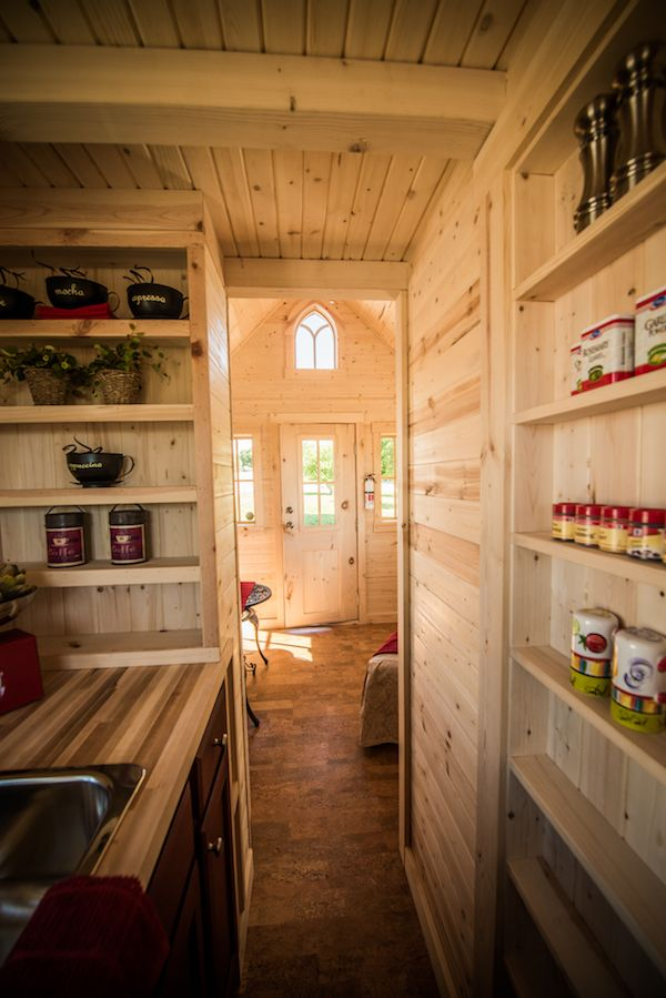 tumbleweed-elm-18-overlook-117-sq-ft-tiny-house-on-wheels-0018
