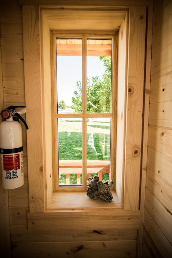 tumbleweed-elm-18-overlook-117-sq-ft-tiny-house-on-wheels-0023