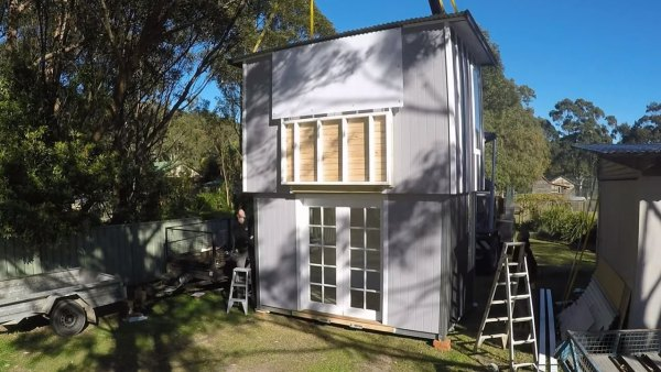 two-story-pop-up-tiny-house-006