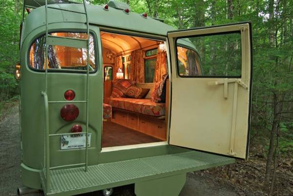 viking-short-bus-conversion-turned-to-cabin-on-wheels-by-winkarch-0010
