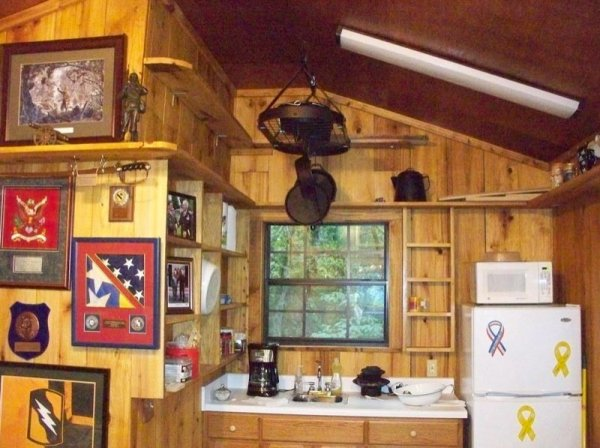 villa-big-retired-army-generals-tiny-cabin-office-get-away-0035