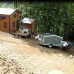 woman-builds-micro-cabin-on-wheels-to-break-free-0012